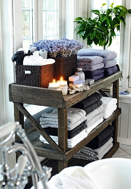 Rustic Wood Shelf is a Favorite Bath Towel Storage Ideas